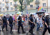 Prowokacje pod ochroną policji